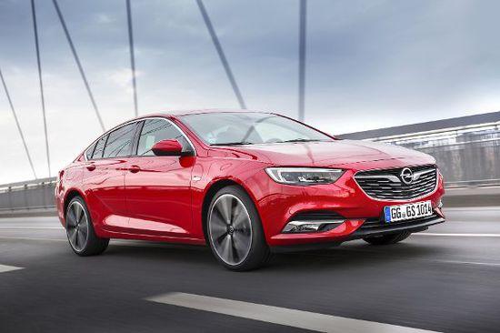 Erlkönige + Neuerscheinungen - Opel Insignia 1.6 Diesel: Geringer Verbrauch und großer Fahrspaß