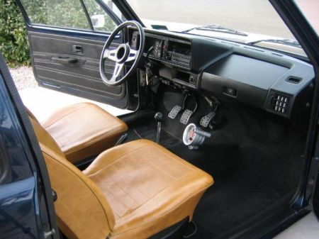 Name: VW-Golf_1_Pirelli5.jpg Größe: 450x337 Dateigröße: 30663 Bytes