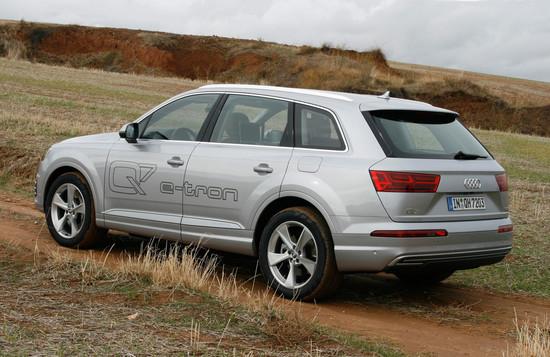 Name: Audi-Q7-E-Tron-30-TDI-Quattroa-108054.jpg Größe: 1024x665 Dateigröße: 258319 Bytes