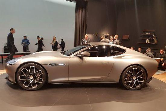 Luxus + Supersportwagen - Zurück zu den Wurzeln: Piech Mark Zero Show Car