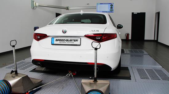 Name: SPEED-BUSTER-Alfa-Romeo-Giulia-3.jpg Größe: 1024x575 Dateigröße: 152678 Bytes