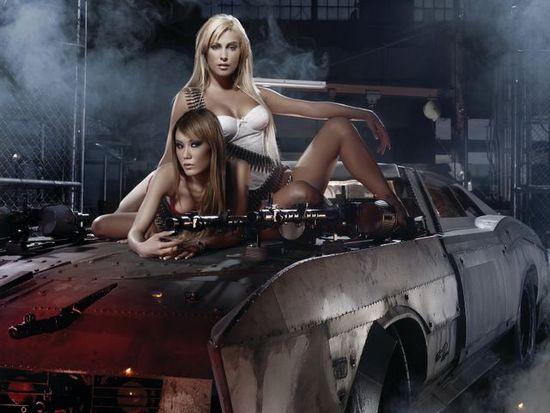 Name: DeathRace_Sondermotiv08_Buick_Riviera_Girls.jpg Größe: 640x480 Dateigröße: 51935 Bytes