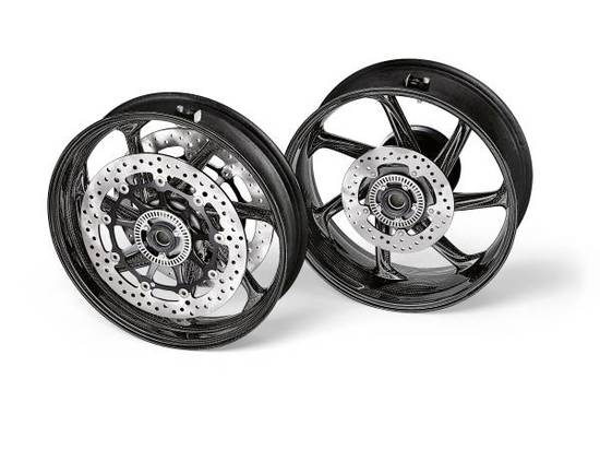 Name: P90395862-m-performance-carbon-fibre-wheel-set-for-the-bmw-s-1000-rr-08-2020-600px.jpg Größe: 600x449 Dateigröße: 37898 Bytes
