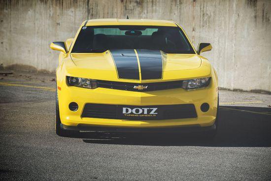 Name: DOTZ_Revvo_dark_Chevrolet_Camaro_press_2.jpg Größe: 1920x1282 Dateigröße: 383053 Bytes