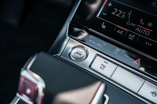 Name: Audi_A6_allroad_Start-Stop-Schalterkappe.jpg Größe: 1920x1281 Dateigröße: 207580 Bytes