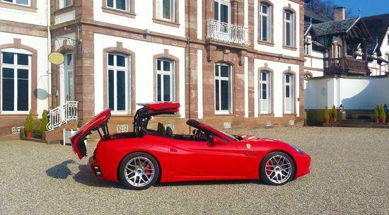 Name: Dachtechnik-Ferrari-California.jpg Größe: 1920x1061 Dateigröße: 453766 Bytes